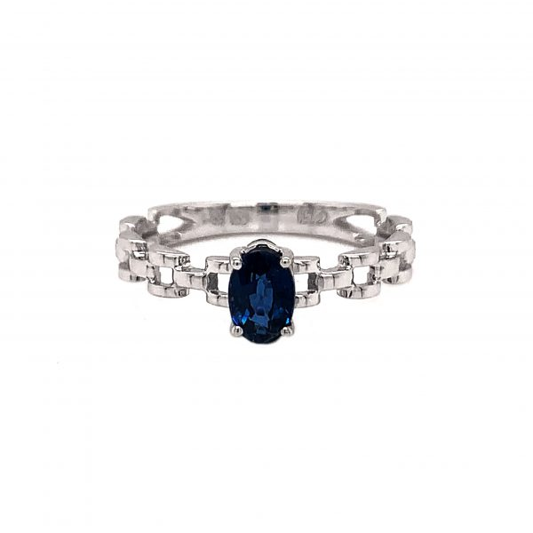 18K White Gold Ring with Sapphire